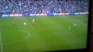 Wayne Rooney shot vs Joe Hart