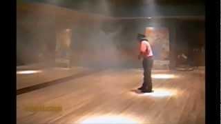 Michael Jackson - Moon Walking