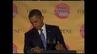Obama presidential seal falls off during speech