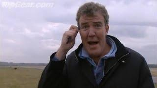 Jeremy Clarkson tests central locking range