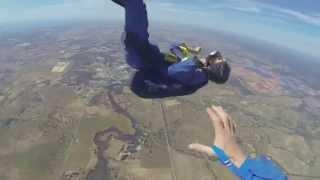 Skydiver saved after epileptic seizure at 2700m (DRAMATIC VIDEO)