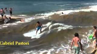 Waimea River - How to make waves
