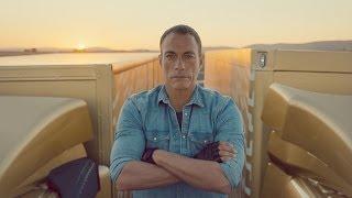 Volvo Trucks - The Epic Split feat. Van Damme