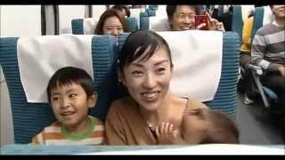 Japanese passengers show extreme excitement as Maglev Train reaches 500km/h