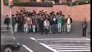 100 people lie down, all at once suddenly - Japanese prank