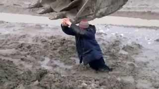 How to get out of quicksand with an excavator
